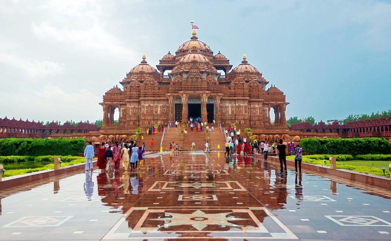 Explore the Rich Spiritual Side of Delhi